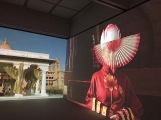 石岡瑛子さん世界初の大規模回顧展が開幕 コッポラ、ターセム・シンらとのコラボレーション
