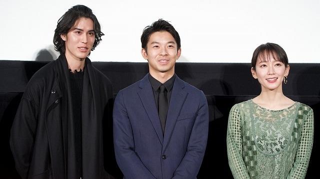 仲野太賀、柳葉敏郎との共演は感慨深い 幼少期は「泣かされていました」 - 画像8