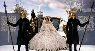 石岡瑛子さんの仕事をスクリーンで鑑賞「ドラキュラ」「白雪姫と鏡の女王」上映決定