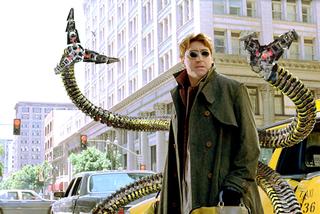 サム・ライミ版ドクター・オクトパス役俳優が新「スパイダーマン」にも登場
