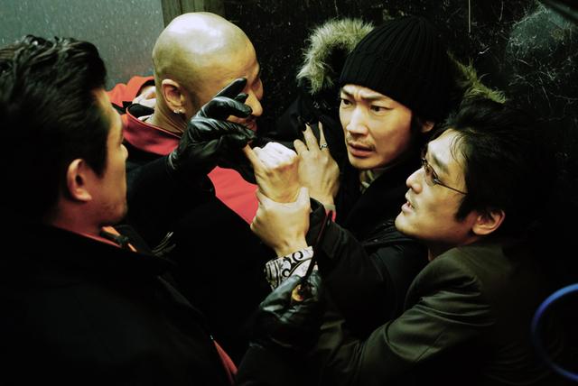 綾野剛主演 実写版「ホムンクルス」場面写真20点一挙公開 映画版は原作にないオリジナル展開も - 画像8