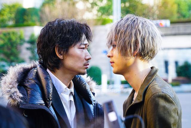 綾野剛主演 実写版「ホムンクルス」場面写真20点一挙公開 映画版は原作にないオリジナル展開も - 画像5