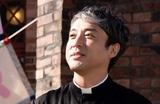 ムロツヨシ、映画初主演! 男手ひとつで娘を育てる牧師を演じる「マイ・ダディ」今秋公開