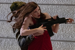 ジェシカ・チャステインが美貌の暗殺者に 「AVA エヴァ」4月公開