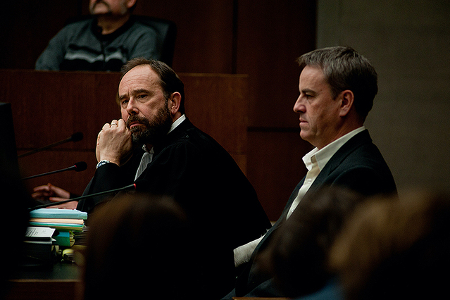 """【「私は確信する」評論】実話に基づく法廷劇が自己矛盾をはらみつつ突きつける""""厄介な正義感"""""""