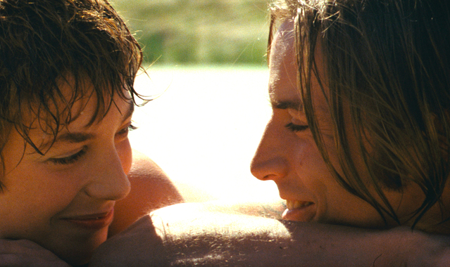イギリスなどでは性表現のきわどさから上映禁止となった問題作