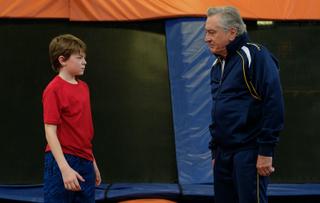 デ・ニーロが孫と戦う頑固じいさんに 抱腹コメディ「グランパ・ウォーズ」4月23日公開