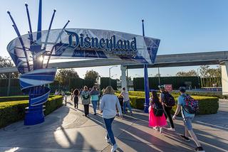 ディズニーランドなどの米カリフォルニア州のテーマパークが営業再開へ