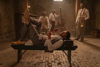 【「マ・レイニーのブラックボトム」評論】ブルースのうねりと若き俳優が遺した名演とが絡み合う濃密な情景