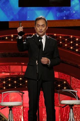 【第44回日本アカデミー賞】「Fukushima 50」渡辺謙、初の最優秀助演男優賞!「福島の力をトロフィーにこめて頂けた」