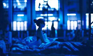 【「SLEEP マックス・リヒターからの招待状」評論】寝てもOK、起きて鑑賞するもOK、睡眠セラピーのような映画体験