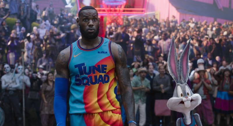 NBA選手レブロン・ジェームズがワーナー映画の人気キャラとバトル「スペース・プレイヤーズ」8月公開