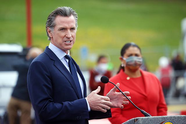 米カリフォルニア州が新型コロナ対策規制を解除へ ワクチンで感染者数減少