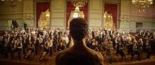 難民の男が背中にタトゥーを施され、アート作品に…アカデミー賞ノミネート「皮膚を売った男」秋公開