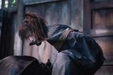 """人斬り・緋村抜刀斎はなぜ""""不殺""""を誓ったのか――「るろうに剣心 最終章 The Beginning」場面写真公開"""