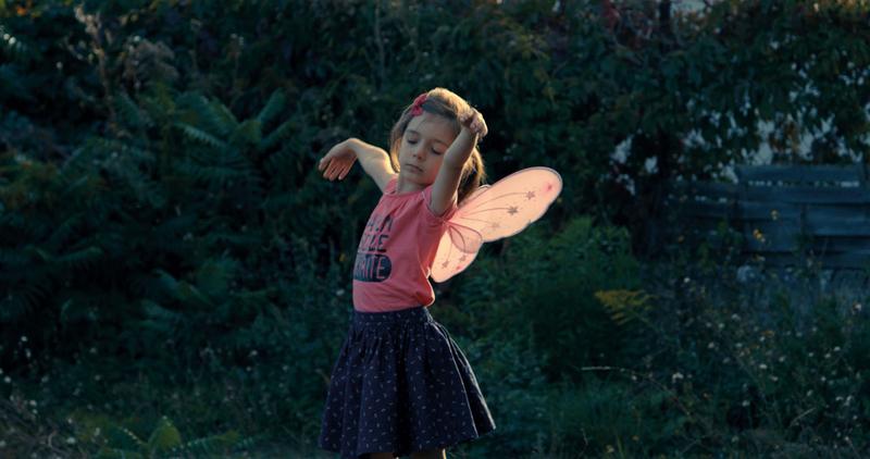性と身体の不一致を幼少期で自覚 女の子になることを夢見るサシャを映したドキュメンタリー「リトル・ガール」公開