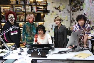 菅田将暉主演「キャラクター」撮影現場を「SEKAI NO OWARI」メンバー訪問! 殺人鬼役のFukaseにSaori「鳥肌が立ちました」
