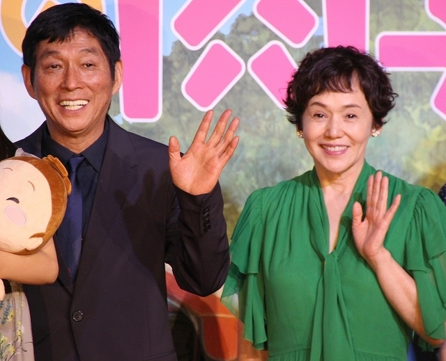 (左から)明石家さんま、大竹しのぶ