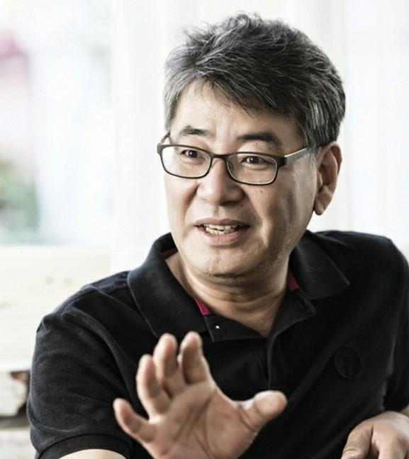 チョ・チョルヒョン監督