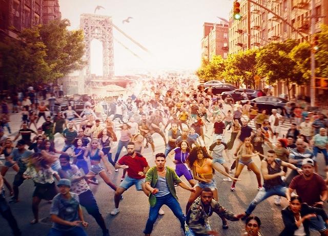 500人以上が街角で歌い踊る!「イン・ザ・ハイツ」壮大なパフォーマンスに圧倒される8分以上の冒頭映像