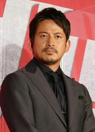 岡田准一、同日公開ライバルの田中圭に塩送る「昔バディを組んでいて」