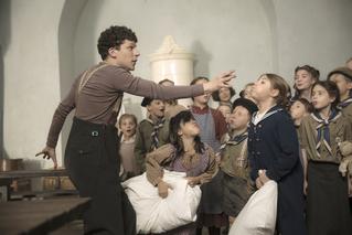 """ユダヤ人孤児123人を救った""""パントマイムの神様""""のレジスタンスとは… J・アイゼンバーグ主演作、予告編"""