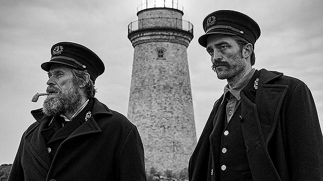 【「ライトハウス」評論】孤島の灯台を舞台に、パラノイアと怪異が渦巻く悪夢濃度100%の映像世界