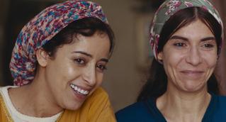 和やかなお祭りの最中に陣痛が… 「モロッコ、彼女たちの朝」本編映像