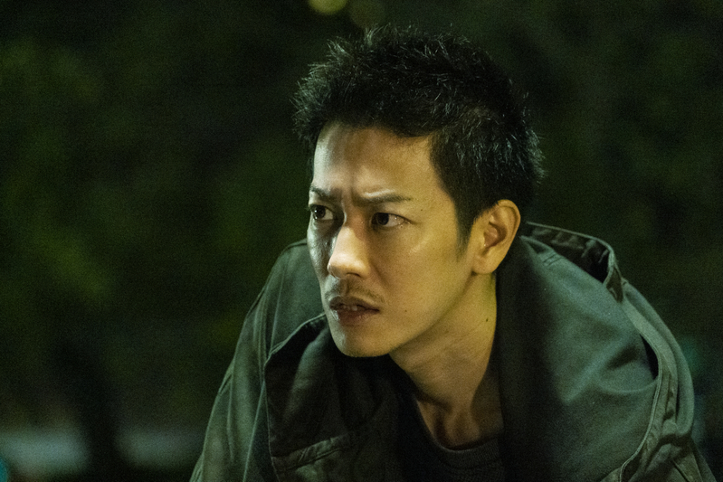 佐藤健、短髪で容疑者役を熱演 「護られなかった者たちへ」新場面写真