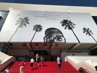 【パリ発コラム】パンデミック後初開催、28年ぶりの女性監督パルムドール、日本映画初の脚本賞……今年のカンヌ映画祭を振り返る