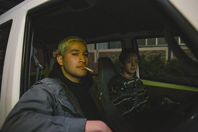 """""""ハーフ""""の呼称に違和感を持つ青年2人の旅路を描く「WHOLE ホール」10月15日公開"""