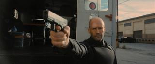 ジェイソン・ステイサムが強盗を撃ちまくる! ガイ・リッチーとのタッグ作「キャッシュトラック」予告編