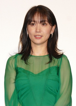 大島優子、結婚発表後初の公の場 三池崇史監督「おれは林遣都になりたい」と手荒い祝福