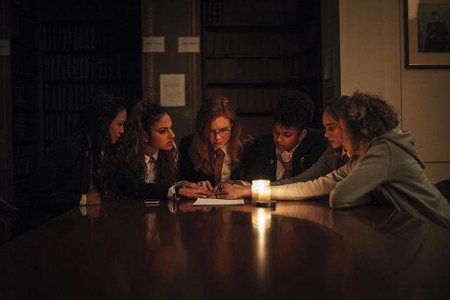 呪われた女子寮を舞台に描く「降霊会」公開決定! 製作総指揮は「ゴジラVSコング」のアダム・ウィンガード
