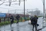 佐藤健&阿部寛&林遣都、雨の中を激走 「護られなかった者たちへ」メイキング映像公開