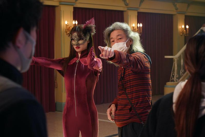 【独占レポート】深田恭子「今日で泥棒を卒業します」 「劇場版 ルパンの娘」クランクアップの瞬間