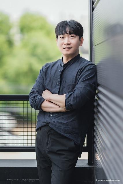 クォン・オスン監督