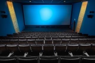 全国の映画館で全席販売・レイトショーが再開 緊急事態宣言解除受け 「007」は深夜1時から上映も