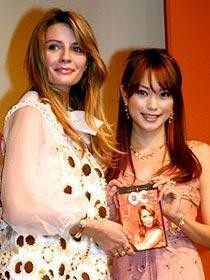 「The OC」でミーシャ&エビちゃんの日米ファッション・セレブが対面