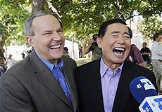 「スター・トレック」の日系俳優ジョージ・タケイが恋人男性と同性婚挙式