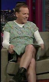 「24」キーファー・サザーランドが、トーク番組に女装姿で出演!