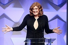 性転換のリリー・ウォシャウスキー、GLAADメディア賞で受賞スピーチ