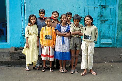 子どもたちがカメラを手にして輝いていく… アカデミー賞最優秀ドキュメンタリー賞を受賞
