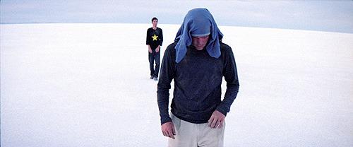砂漠の中でひたすら歩き続ける ガス・バン・サントの「ジェリー」