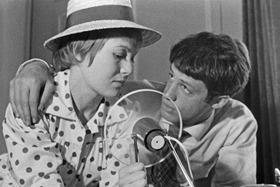 ゴダール自身がベルモンドの声を吹き替えた 「シャルロットとジュール」(58)