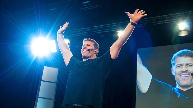 自己啓発セミナー業界の最高峰として知られるアンソニー(トニー)・ロビンズ