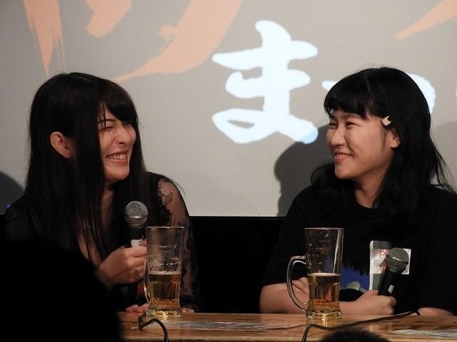 「シオリノインム」主演の松川千紘さん(左)と辻凪子さん