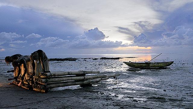 16の島国に残る伝統的な音楽とパフォーマンスを記録したドキュメンタリー