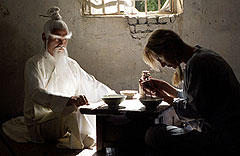 パイ・メイ役のゴードン・リュー(左)は 「Vol.1」ではクレイジー88のリーダーを演じていた