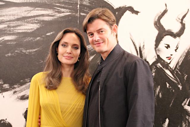 来日したアンジェリーナ・ジョリー(左)とサム・ライリー